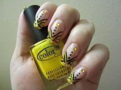 V-shaped Abstract Nail Design #nails #nailpolish #nailart #tutorial - bellashoot.com