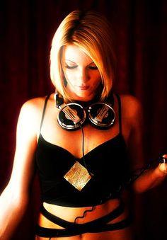 STILETTO Produceer/Dj  #style #djs #music #girldjs #vynils #headphones #fashion #housemusic #gig #edm