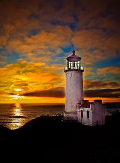 North Head Lighthouse, Cape Disappointment, Washington • photo:  Robert Bales