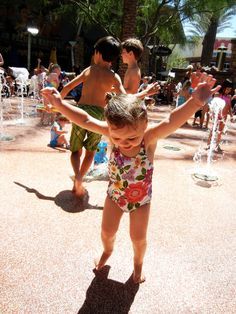 Hey AZ parents!  Free and cheap things to do with kids in the hot Arizona SUMMERS