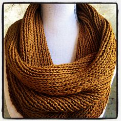 Ribbed Cowl Pattern on Ravelry #knitting #knit #ravelry #pattern #cowl #infinity #scarf