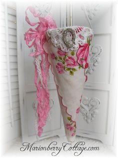 Victorian Tussie Mussie CORONET Pink roses vintage hanky