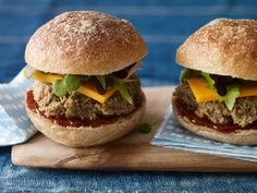 Black Bean and Edamame Sliders | Vegetarian Times
