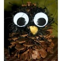 Create an owl after a nature walk with your little one #toddler #preschool #parenting #kids #children #prek #kindergarten #home #outdoor #nature #classroom #weekend #home #diy #craft #easy #simple #owl #fall #autumn #pinecone
