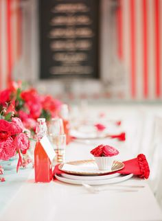 Rue Magazine (May 2012  Issue). Photography by Lisa Lefkowitz. Event Design by Bustle Events. Food by Batter Bakery. Florals by Max Gill Design.
