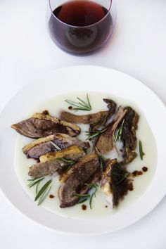 Anatra al Chianti con crema di porri e porcini