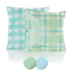Martha Stewart Crafts® Gingham Pillows Martha Stewart Crafts Mad About Color April 2014 Palette - click thru for the full tutorial - #marthastewart #marthastewartcrafts #plaidcrafts #diy #crafts #12Monthsofmartha