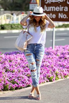LoLus Fashion: Woow Ripped Jeans With V-Neck Tee And Bow Pumpie +...