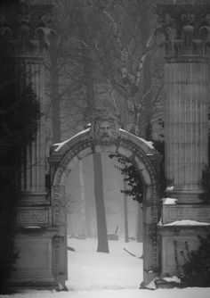 Entry Gate, The Guild Inn, Toronto, Canada  photo by sigma