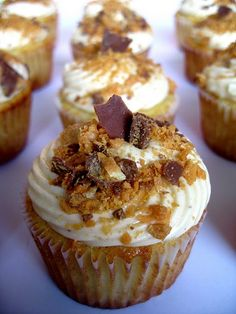 peanut butter and banana cupcakes