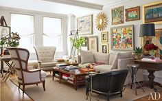 If you're anything like me, mixing things up your interior is a must. But where does one draw the line between perfectly mismatched and utter chaos? Walking this line when it comes to art in your home can be especially challenging. To lend a hand, here are my 4 easy ways to mix and match art while still maintaining a sense of cohesiveness and harmony.   Mix & match within the same color palate.