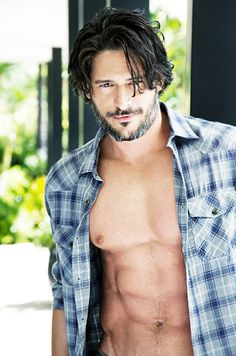 There is not enough Joe Manganiello in my life...Look how adoreable that face is!! I am sorry Bill and Eric but I think Alcide is my new favorite... <3