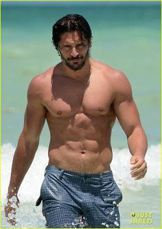 Joe Manganiello: Shirtless in Miami! OMG SERIOUSLY!?!?!?!?! melting into the floor as we speak.....