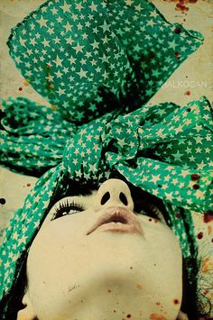 Green head bow
