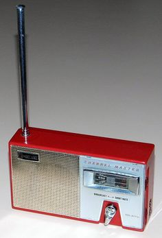 Vintage Channel Master 8 Transistor Radio, Model 6512, Two-Bands (AM & SW Bands), Made In Japan, Circa 1960.