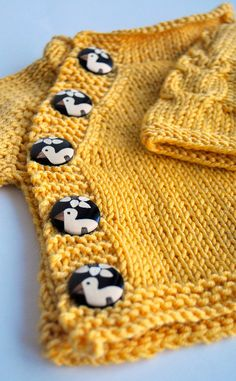 ravelri pattern, button, baby sweaters, babi girl, yellow sweater, babi sweater