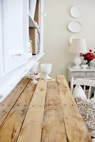 DIY:  Pallet Top Desk - here is an excellent DIY project!  I love this desk!  Image Source