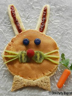 If there's a cuter, healthier Easter brunch meal out there, we certainly don't know what it is. http://www.womansday.com/food-recipes/holiday-recipes/easter-food-ideas#slide-3 Brunch Meal, Easter Food, Easter Brunch, Kid