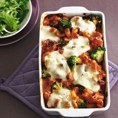 » Ovenpasta met tomaat, broccoli en mozzarella.