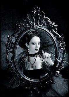 GOTH dark glamour ✤ :: Gothic Mirror