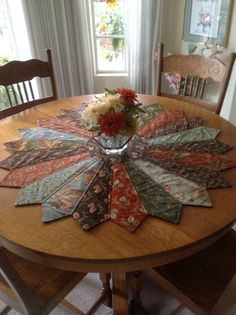 Cómo hacer un #tapete para decorar #mesa con #corbatas viejas  #DIY #ecología #reducir #reciclar #reutilizar