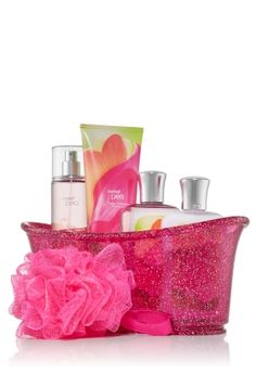 For the beauty fan on your list--18 Bath and Beauty Home MadeGifts