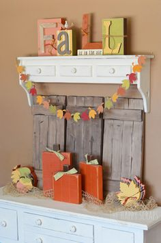 Fall Decor – Pumpkins, Acorns, & Leaves, oh my!