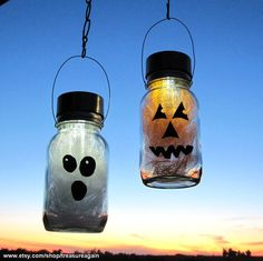 Halloween solar lights made out of Mason jars