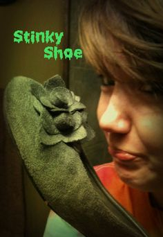 View from River Mountain: No More Stinky Shoes....Using pantyliners to absorb the sweat in your shoes! Very smart idea!!! reader featur, shoes, stinki shoepantilin, mountains, river mountain, flats, rivers, shoe diy, diy stuff