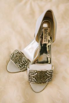 jeweled Badgley Mischka wedding shoes #weddingshoes #bride #weddingchicks http://www.weddingchicks.com/2014/01/31/vintage-barn-wedding-2/