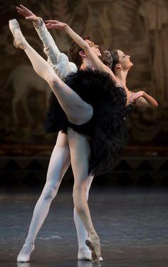 Viktor Lebedev and Ekaterina Borchenko in Swan Lake