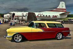 56 Pontiac Safari Wagon. I love the colors!
