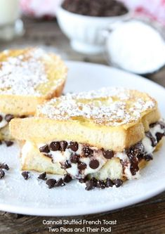 Cannoli Stuffed French Toast Recipe on twopeasandtheirpo... Breakfast for dessert? Sign me up!