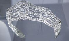 """Tiara on display at the """"Cartier Le Style et l'Histoire"""" exposition Grand Palais, Paris (Dec 2013 - Feb2014)"""