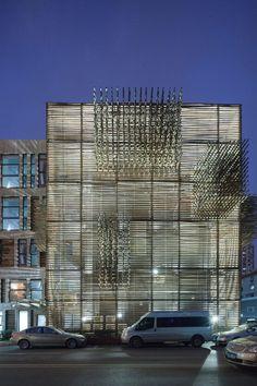 Red Wall / 3Gatti Architecture Studio