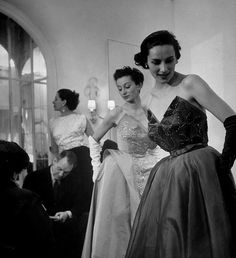 1950s #timeless #partydress #feminine #fashion #vintage #designer #classic #dress #photography