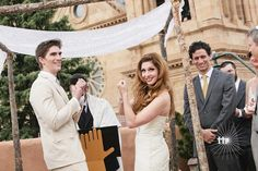 Waving the white napkin, and 7 other things you see at Deaf weddings