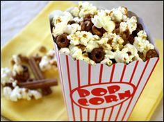 Popcorn snack mix