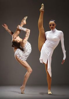 Anna Bessonova, rhythmic gymnast - Limber contortion!!