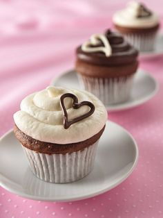 """From the Heart"" Cupcakes Recipe (1 hour)"