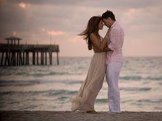 Google Image Result for http://www3.picturepush.com/photo/a/1718911/480/Lorena-Rojas/beach-couple.jpg%253Fv0
