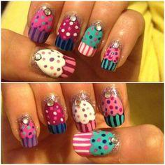 uñas decoradas con cupcakes