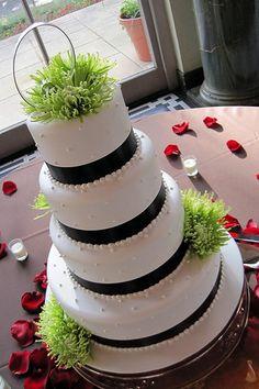green mums on cake @Lisa Lea