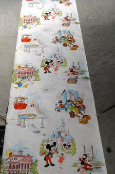 vintage disneyland wallpaper. i want this!!!