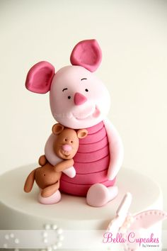 Piglet....love love LOVE this cake!!! Might have a little to do with that being my nickname....but hey it is an awesome cake Pooh Birthday Cakes, Birthday Cakes With Fondant