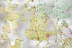 Claire Brewster is a London-based artist which makes maps under the shape of flying birds, on trees' branches in the middle of bees which forage