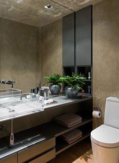 Decorado com um quê teatral. Veja: https://casadevalentina.com.br/projetos/detalhes/com-um-que-teatral-506 #decor #decoracao #interior #design #casa #home #house #idea #ideia #detalhes #details #art #arte #casadevalentina #bathroom #banheiro #lavabo