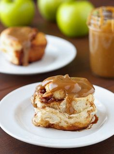 caramel apple cinnamon rolls .