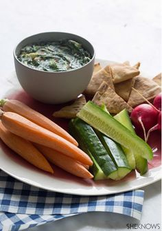 Creamy no-bake spinach and sun-dried tomato dip