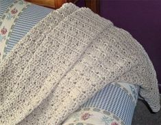 Classically Simple Shell, an easy afghan to crochet
